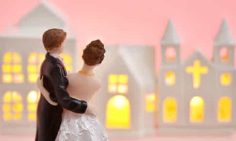 婚活中の女性必見!派遣社員への転職で思わぬ出会いも!?