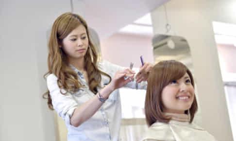 「美容師から異業種へ」採用官がおすすめする転職先とは?