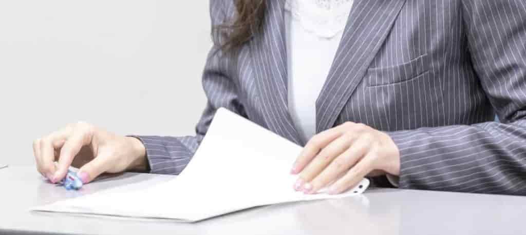 ブラック企業判別:転職エージェントを利用する